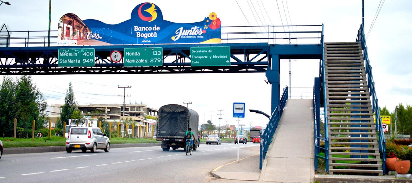 Puente Peatonal Cota