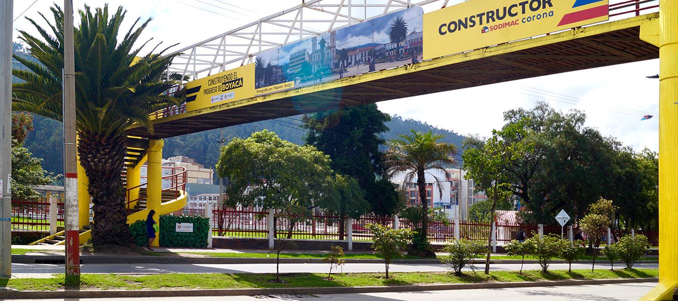 renovación urbana en puentes peatonales Constructor